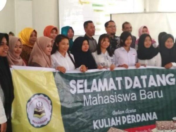 Sambutan Maba Universitas Cokroaminoto Makassar Wisuda