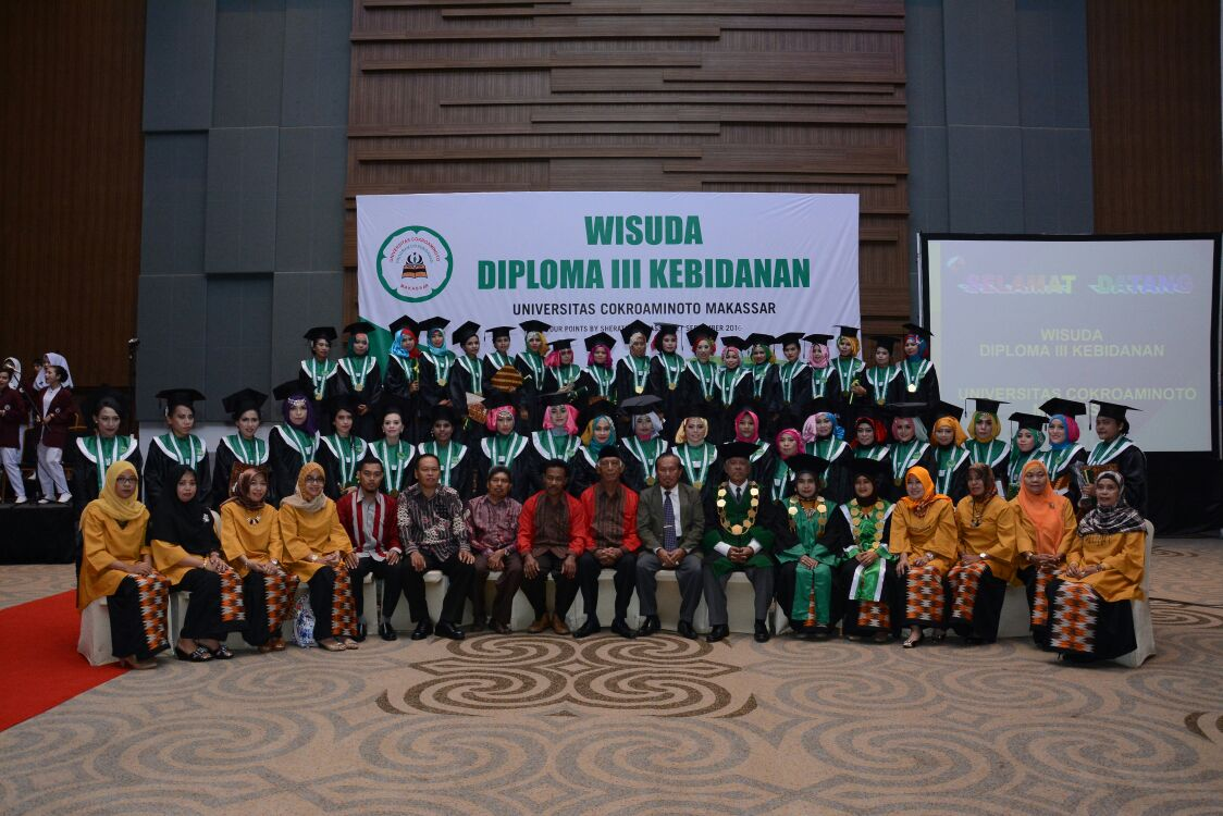 Wisuda Lulusan Program Studi Kebidanan UCM